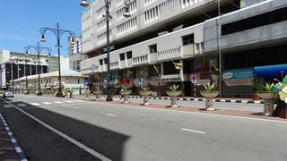 Puste ulice Bandar Seri Begawan
