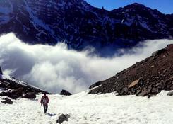 Jebel Toubkal, wracamy w początek frontu. Zima i spadek temp. o 20 stopni c.