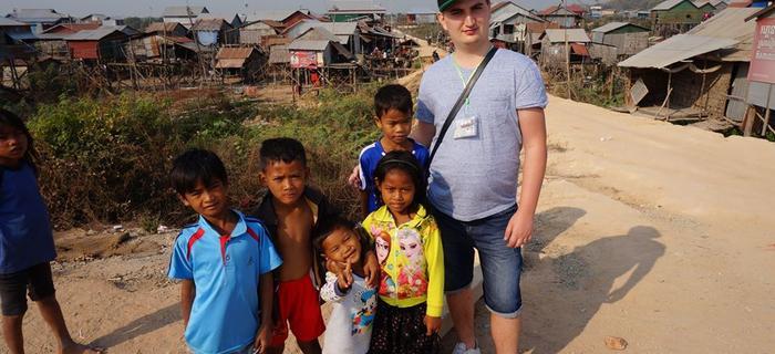 Kambodża z przemiłą gromadką dzieci