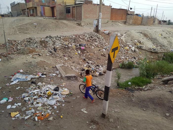 Peru - poza enklawami dla bogatych - jest mocno zaśmiecone