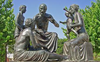 Hipokrates nauczający - pomnik na greckiej wyspie Kos
