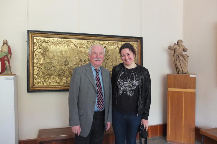 W tarnopolskim Muzeum Sztuki, obok mnie stoi dyrektor placówki