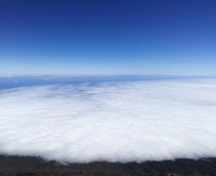 Spacer w chmurach.