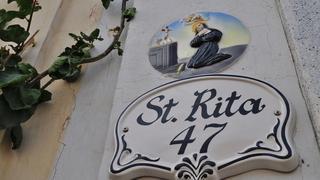 Religijne symbole widziane niemal przy każdym numerze domu. Malta to najbardziej katolicki kraj Europy a na całej wyspie jest ponad 360 kościołów.