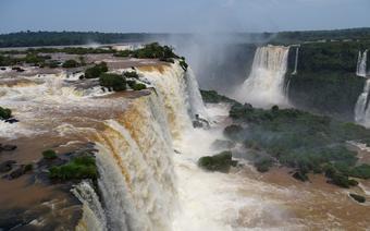 Niesamowite Wodospady Iguazu