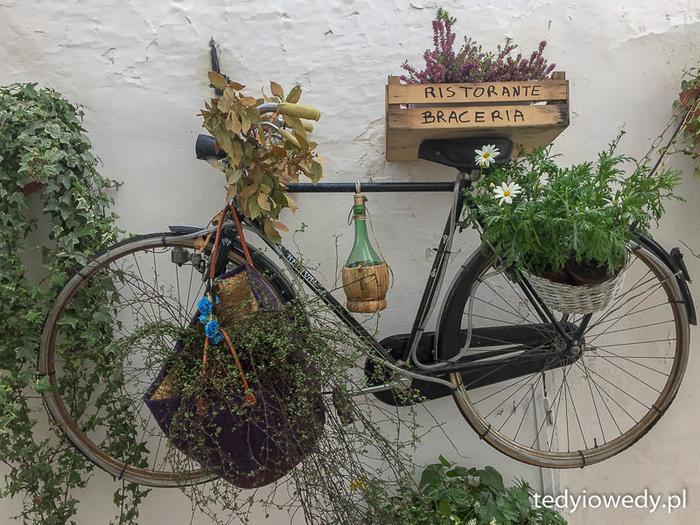 Rower jako szyld restauracji