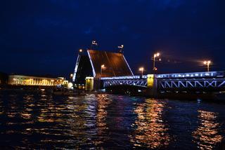 Petersburg. Wspaniałe miasto w krainie kontrastów