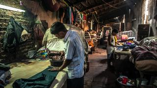Bombaj (Indie) – Dhobi Ghat – prasowanie ubrań