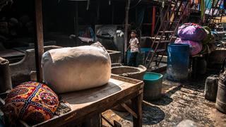 Bombaj (Indie) – Dhobi Ghat – paczki gotowe do rozwiezienia klientom