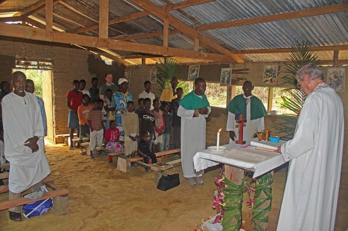 Msza w Adouaman, Kamerun