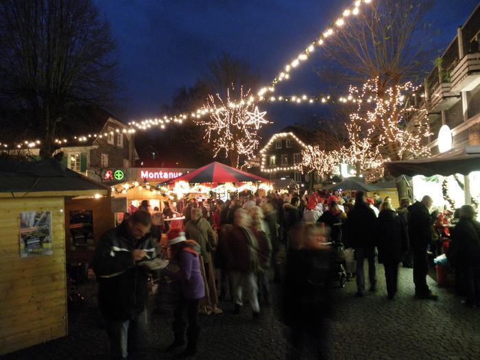 Jarmark świąteczny w Hűckeswagen
