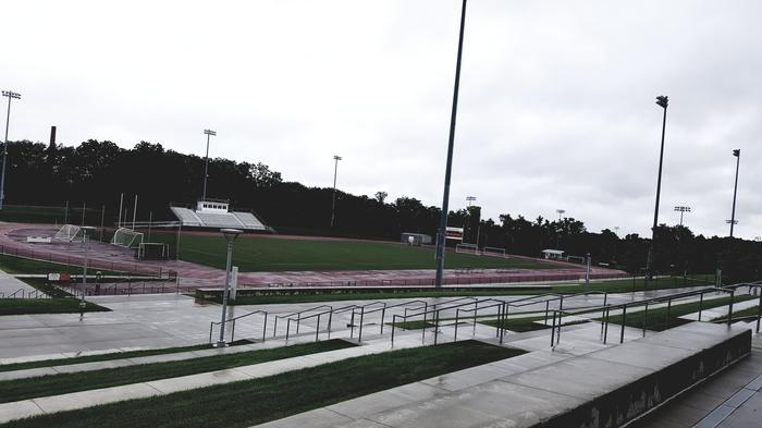 Jeden z uczelnianych stadionów (ten mniejszy)