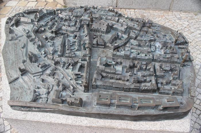 Makieta Budziszyna na rynku miasta