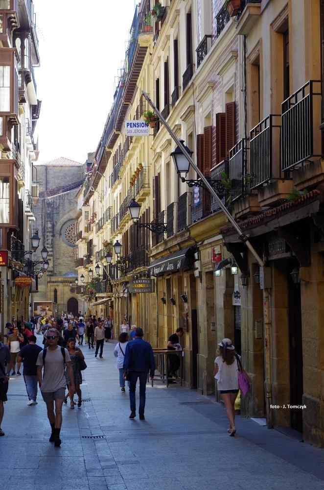 Jedna z uliczek starówki.
