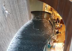 Wodospad w Dubai Mall