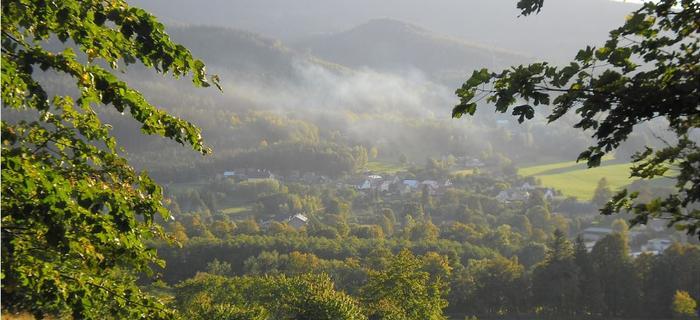 widok z zejścia z Biskupiej Kopy do Zlatych Hor