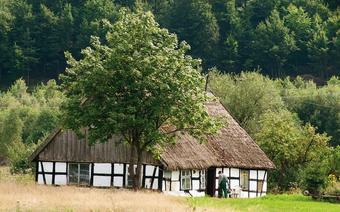 Typowy dom z muru pruskiego w Szwajcarii Kaszubskiej