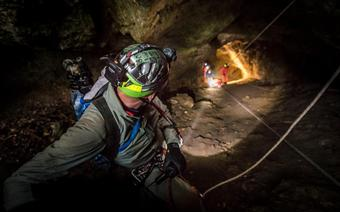 Eksploracja jaskini