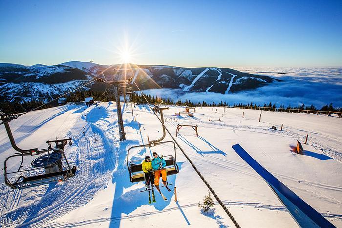 Na narty do Czech. Szpindlerowy Młyn to jeden z największych ośrodków narciarskich w Karkonoszach