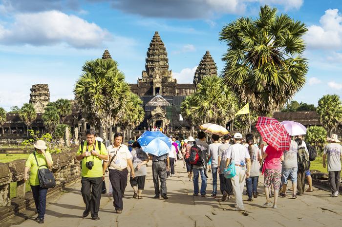 Turyści w świątyni Angkor Wat