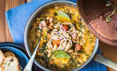 Ribollita, tradycyjna zupa z Toskanii