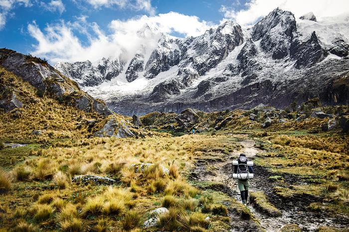 Trasa trekkingu Santa Cruz prowadzi przez Park Narodowy Huascaran