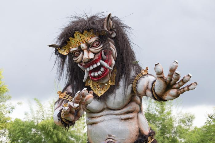 Bali, Figura ogoh-ogoh symbolizująca demona