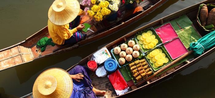 Pływający targ w Tajlandii