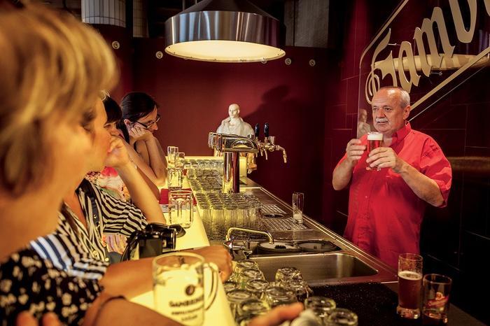 Nauka lania piwa to dobry początek przygody z Pilznem