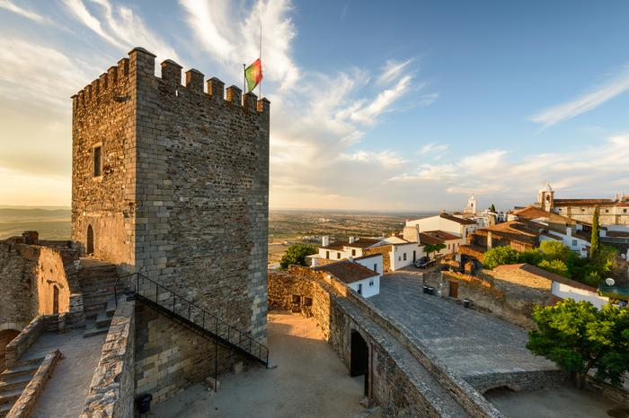 Widok z zamku na wieżę Monsaraz