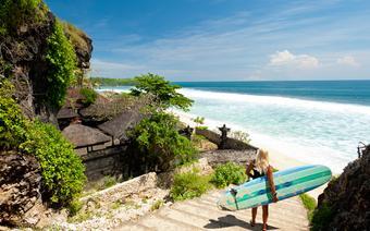 Surferka na Bali