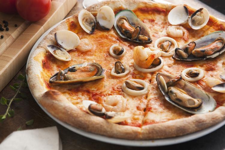 9. Pizza frutti di mare