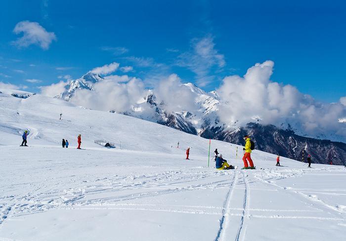 Narty we Francji na stokach Pirenejów