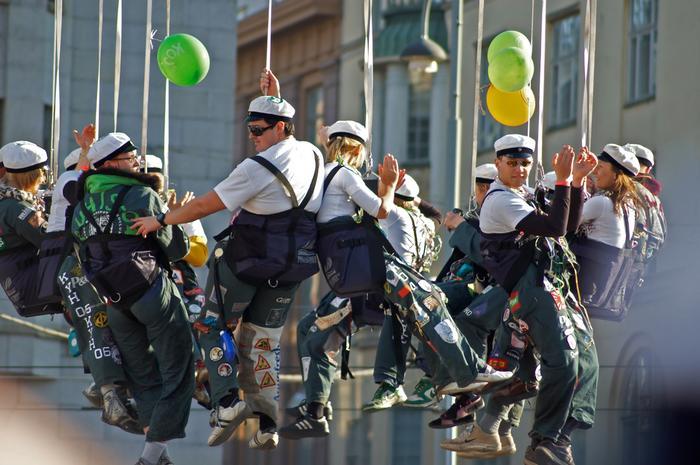 Finlandia, zabawa podczas święta Vappu w Hhelsinkach