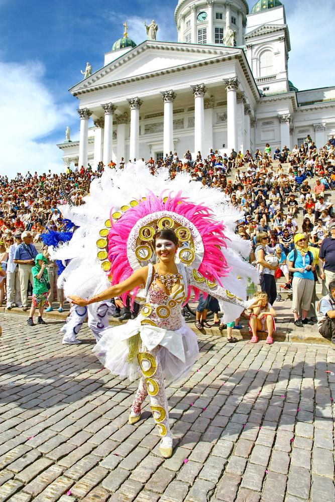 Finlandia, letni karnawał w Helsinkach