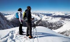 Dolomity zimą, z Rosetty widać nawet szczyty w Austrii