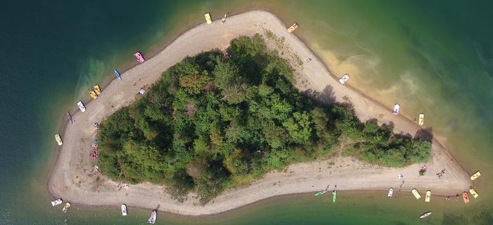 Wyspa Mała na jeziorze Solińskim