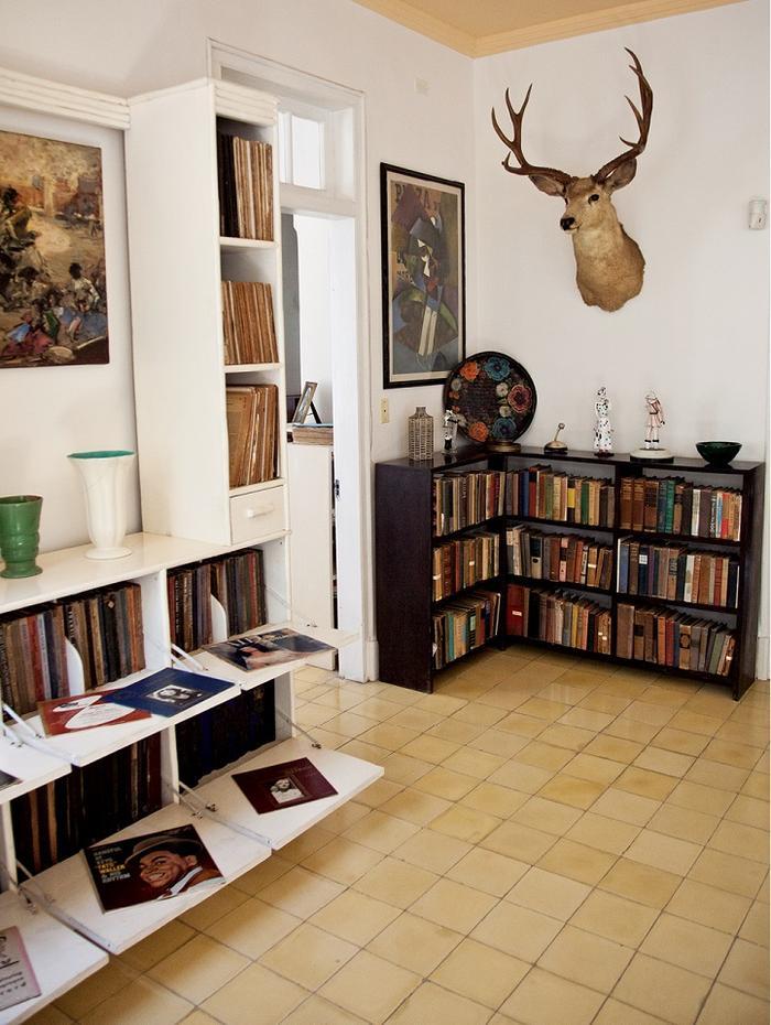 Salon w posiadłości Hemingwaya w San Francisco de Paula