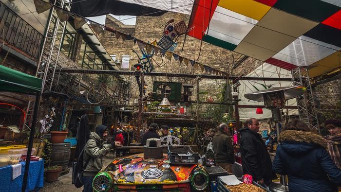 Ruin pub Szimpla w Budapeszcie