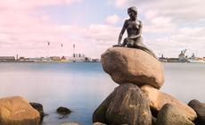 Mała Syrenka z basni Christiana Andresena stała się jednym z najbardziej znanych symboli Kopenhagi
