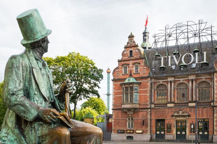 Kopenhaga, pomnik Christiana Andersena przed ratuszem