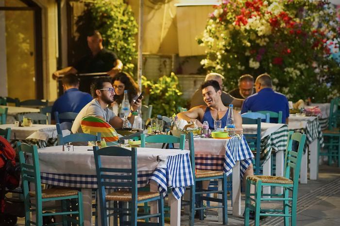 Cypr, posiłek w tradycyjnej tawernie