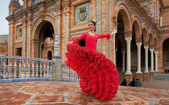 Tancerka flamenco na Plaza de Espana w Sewilli