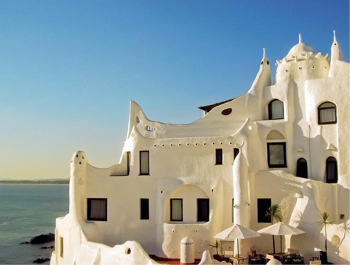 Perła architektury Casapueblo, czyli hotel, muzeum i warsztat w jednym