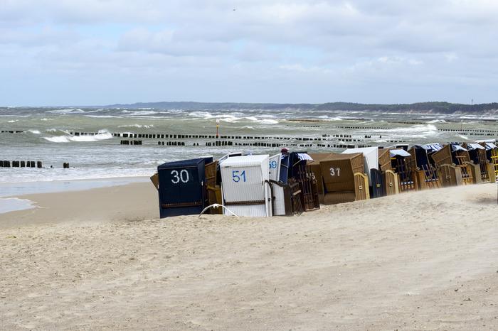Plaża w Ustce podczas sztormu
