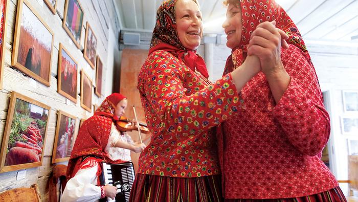 Kobiety z Kihnu uwielbiają się bawić