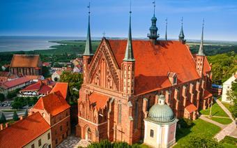 Świątynia-forteca we Fromborku skrywa m.in. grób Mikołaja Kopernika