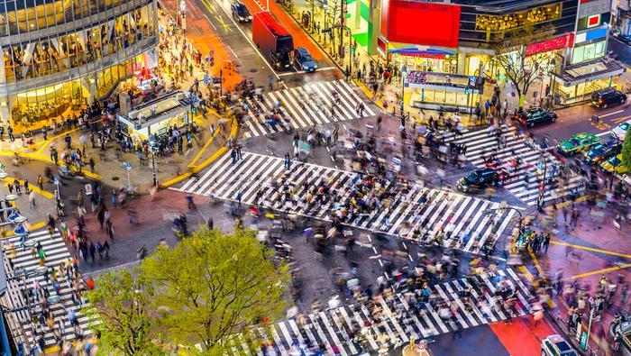 Najsłynniejsze przejście dla pieszych w Tokio znajduje się w dzielnicy Shibuya
