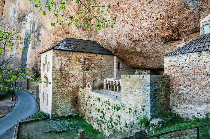 Aragonia - klasztor San Juan de la Pena