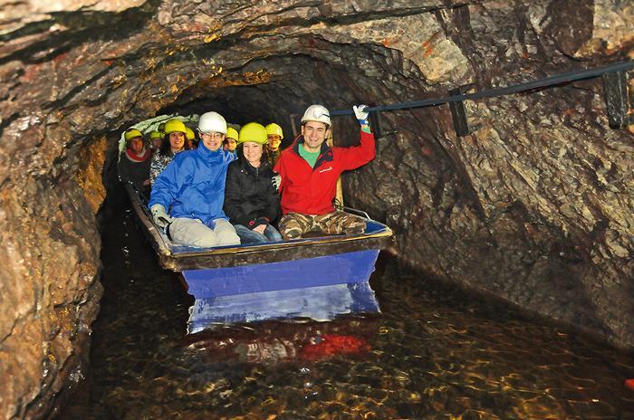 Podziemna trasa turystyczna w Złotej Kopalni